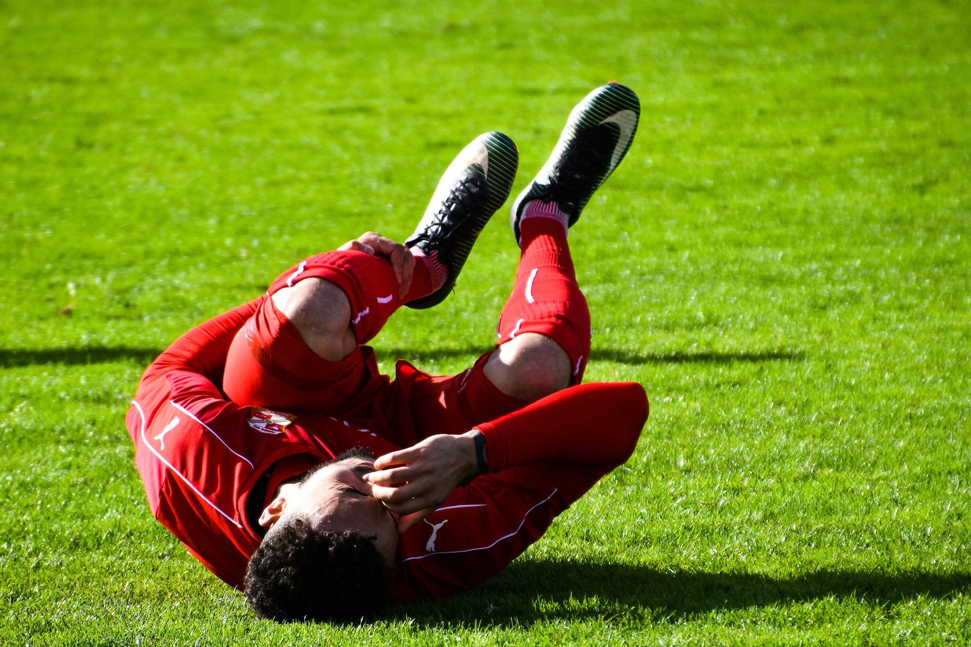 soccer player in pain