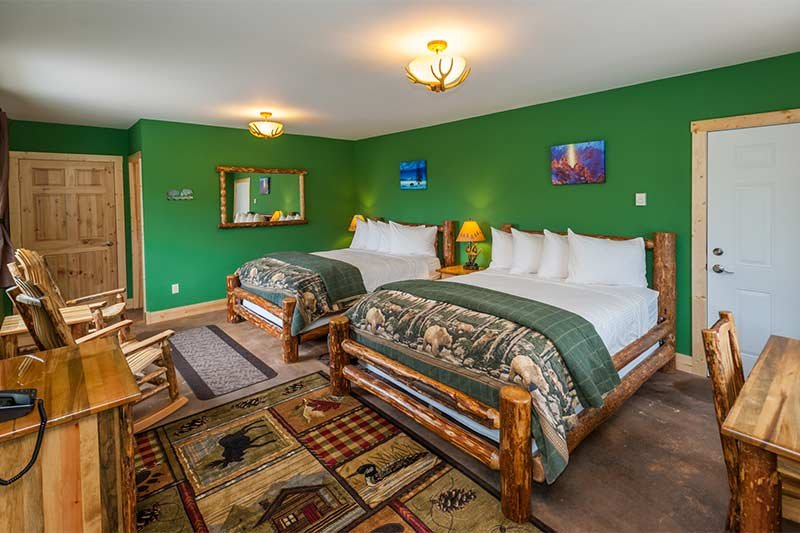 Guest Rooms at Yellowstone Basin Inn in Gardiner, Montana