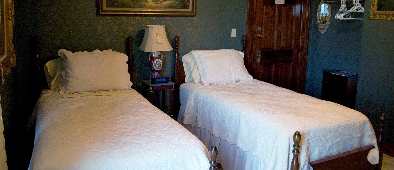 J Paules Fenn Inn Room 6