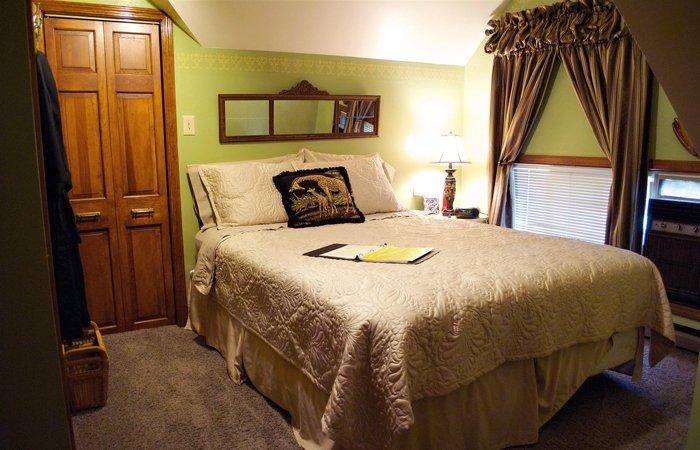Rooms at J Paules Fenn Inn