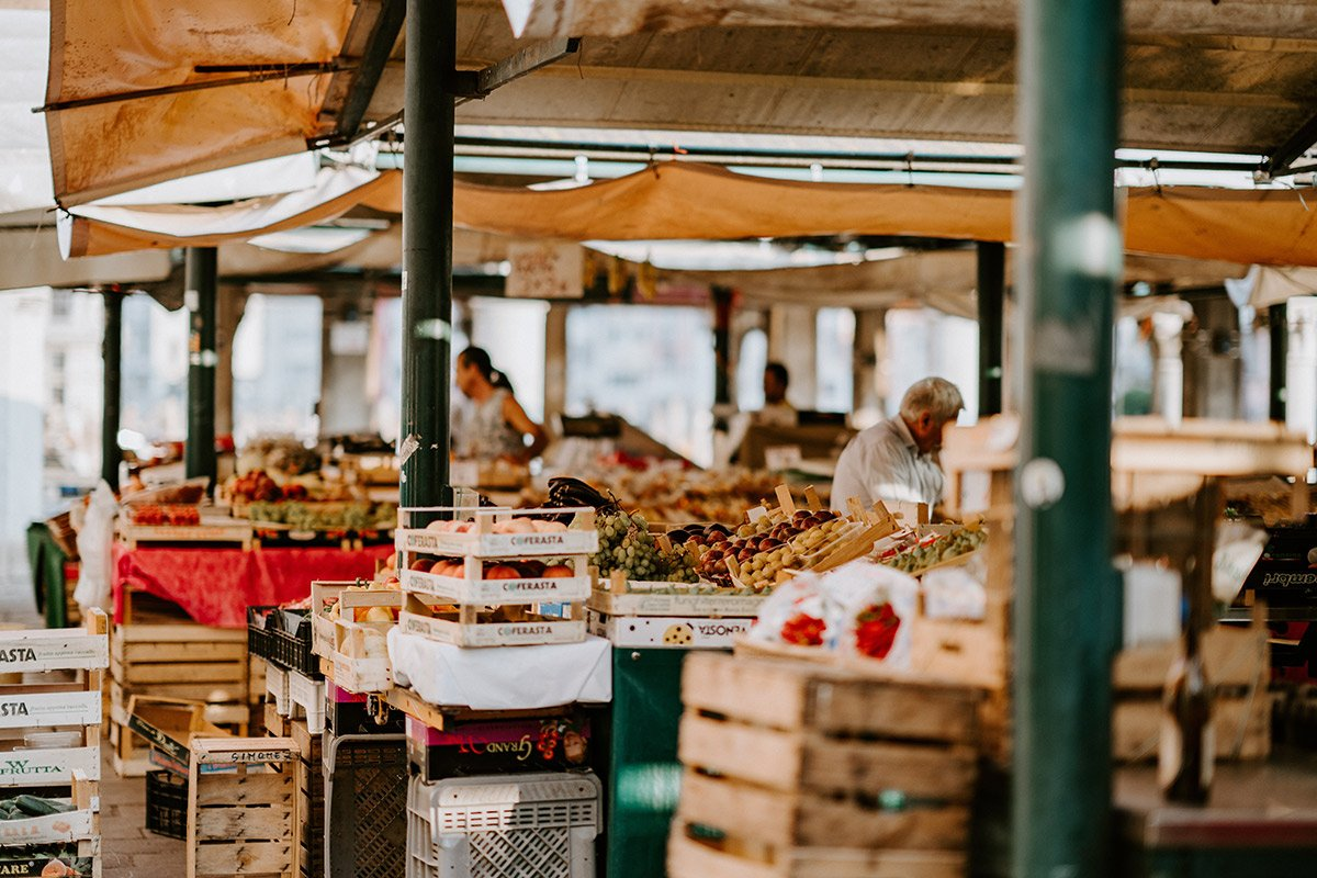 local farmers market stalls
