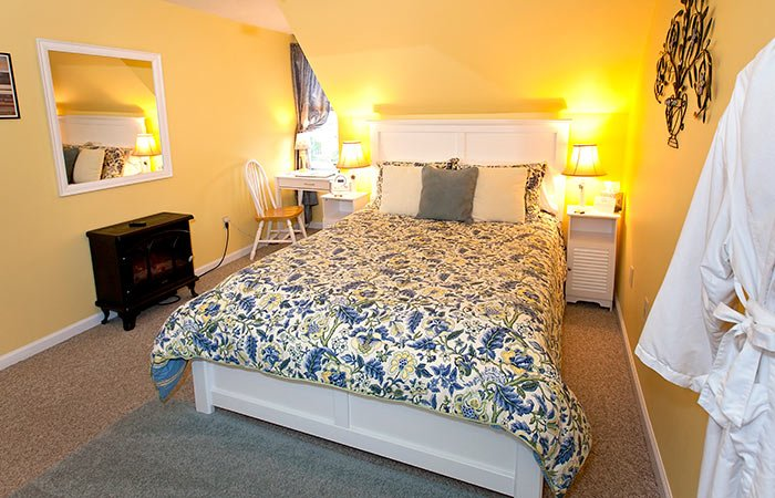 Guest Room at Clay Corner Inn in Blacksburg, VA