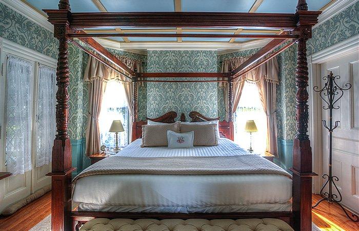 Wallingford Victorian Inn history