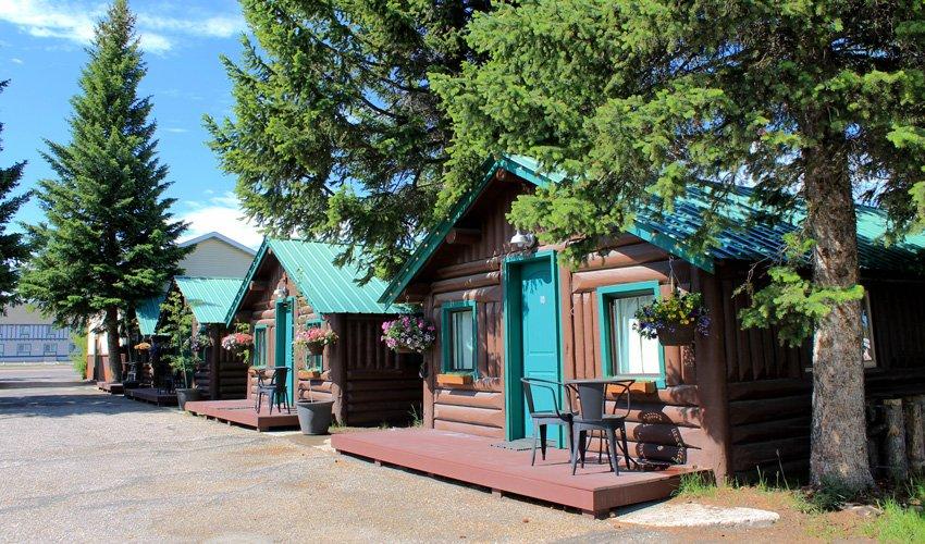 Moose creek cabin west yellowstone cabins moose creek inn for West yellowstone cabins