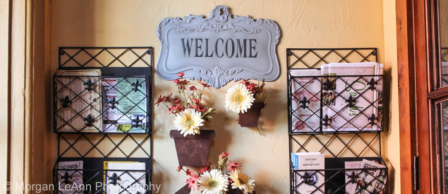 Shady Lady bed and breakfast welcome sign