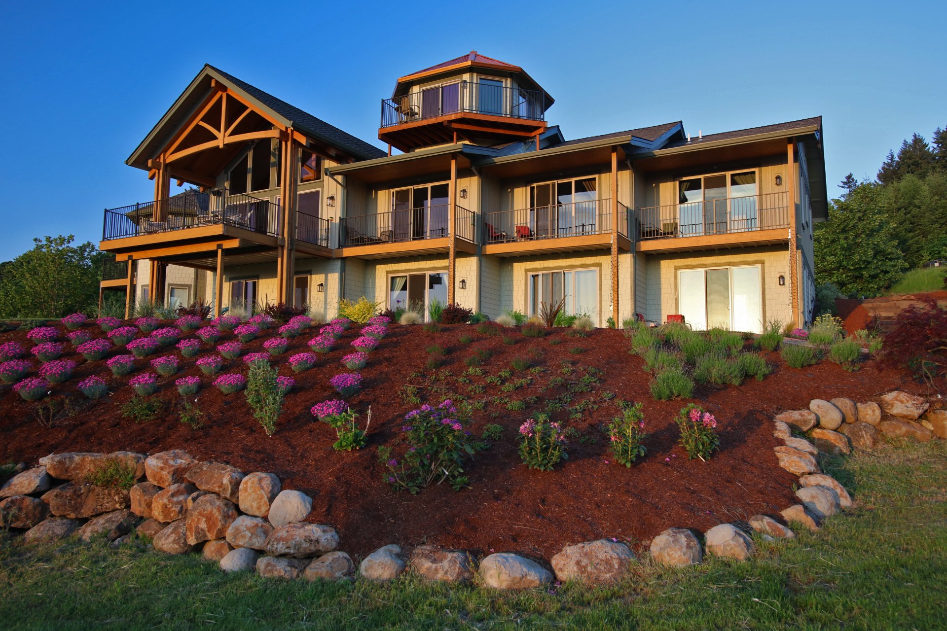 Bella Collina Bed and Breakfast in Amity, Oregon