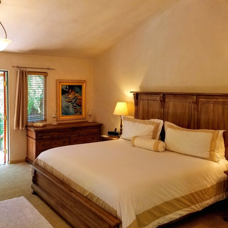Room at Emerald Iguana Inn in Ojai, CA