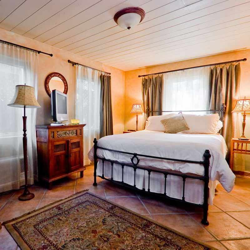 Room at Emerald Iguana Inn in Ojai, CA
