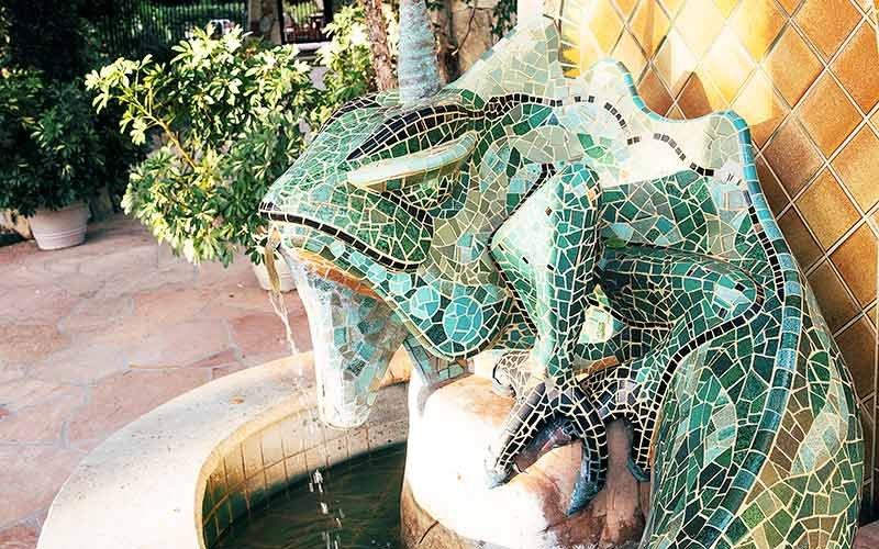 An iguana fountain