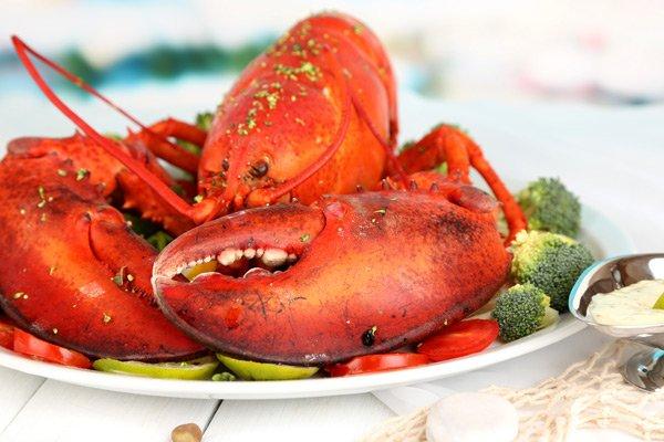 Hotel Seacrest restaurants lobster
