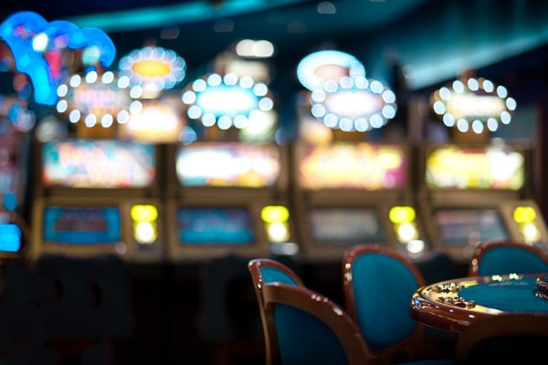 Hotel Seacrest casino table