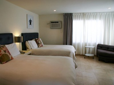 Hotel Seacrest Ocean Room beds