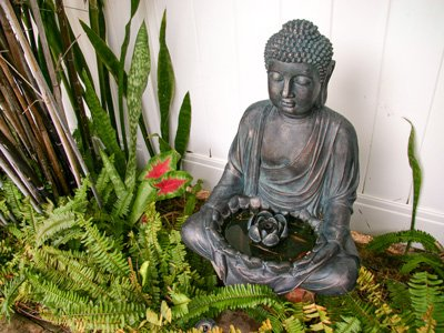 Hotel Seacrest outdoor Buddha statue