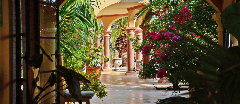 About Villa del Faro