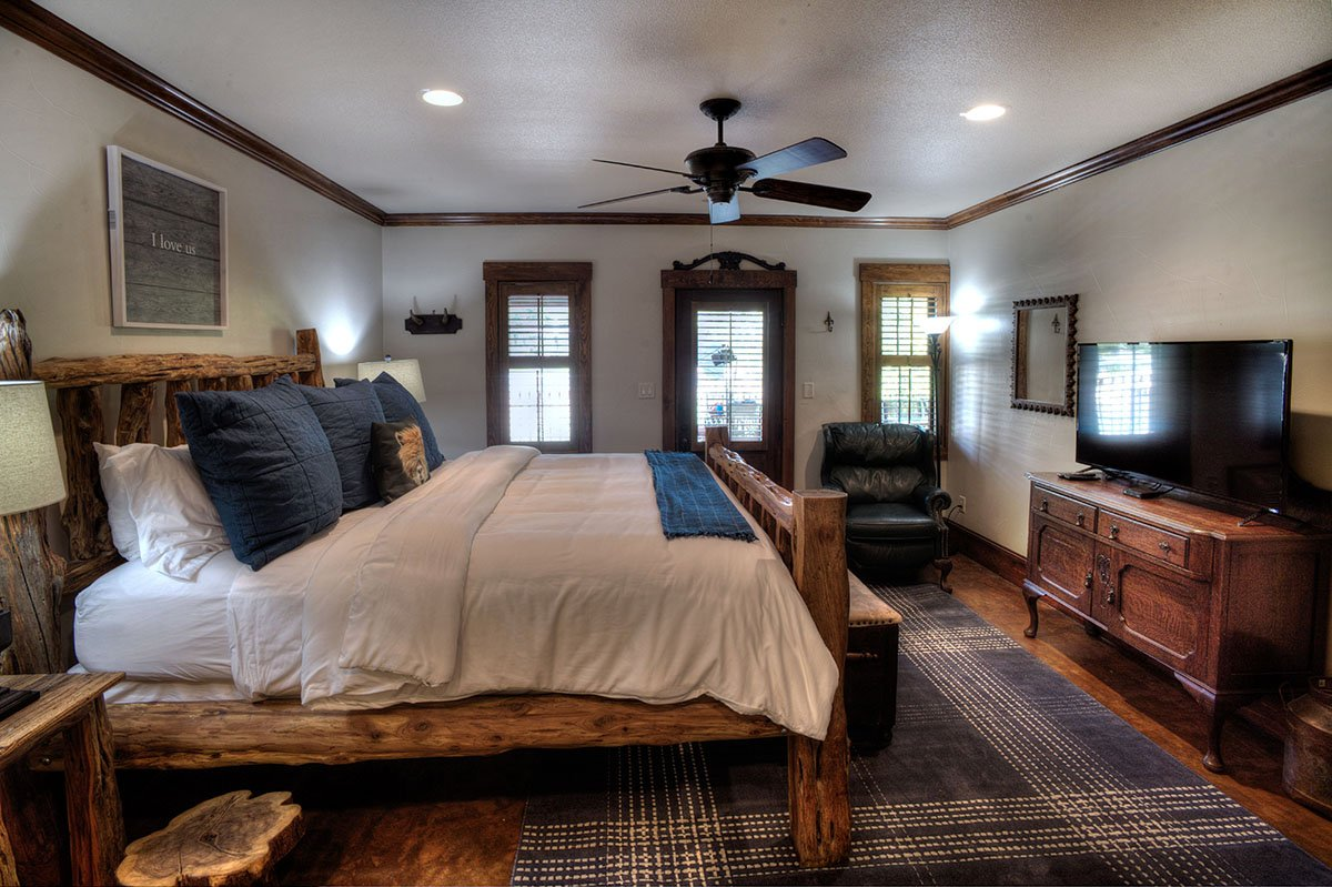 The Lodge Above Town Creek Suite 5 Angels Lodge Fredericksburg