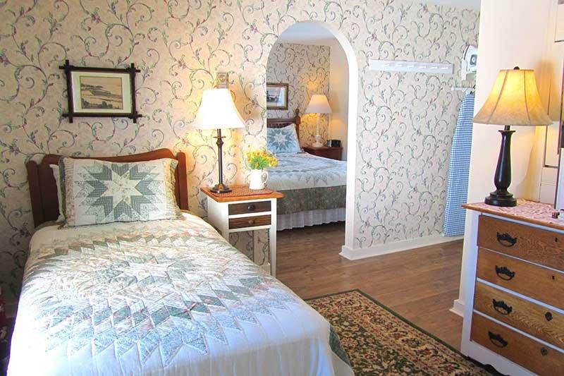 Harbourview Inn room 9