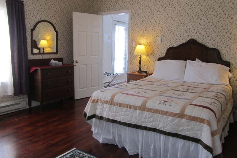 Winchester House suite bedroom