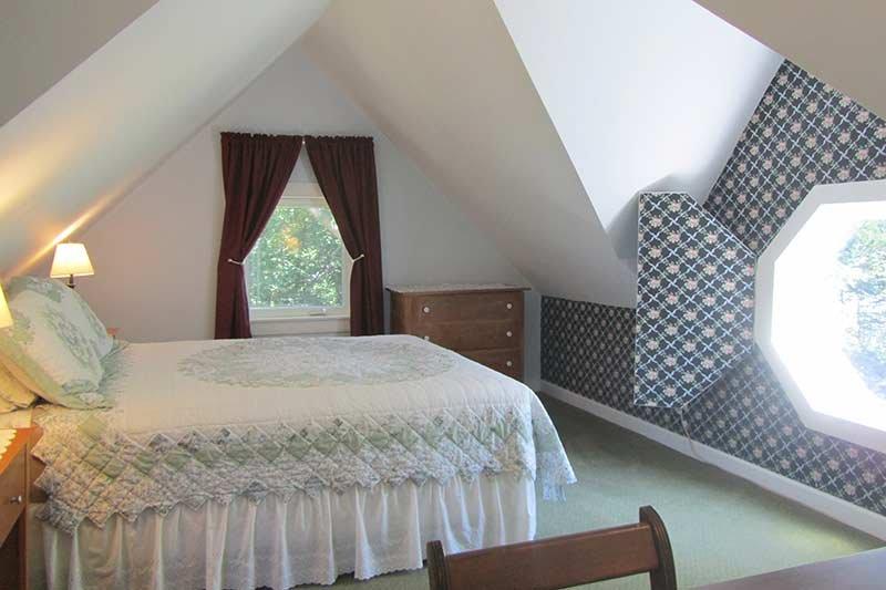 Harbourview Inn two-bedroom suite