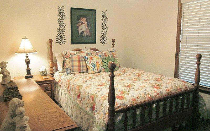 Mountain View Guest House - Llano, Texas Cabins | Phoenix