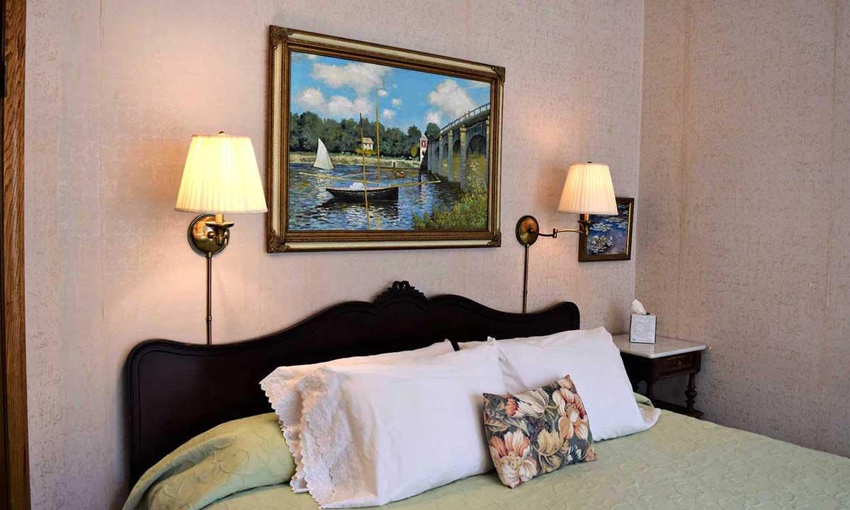 Monet Suite bed
