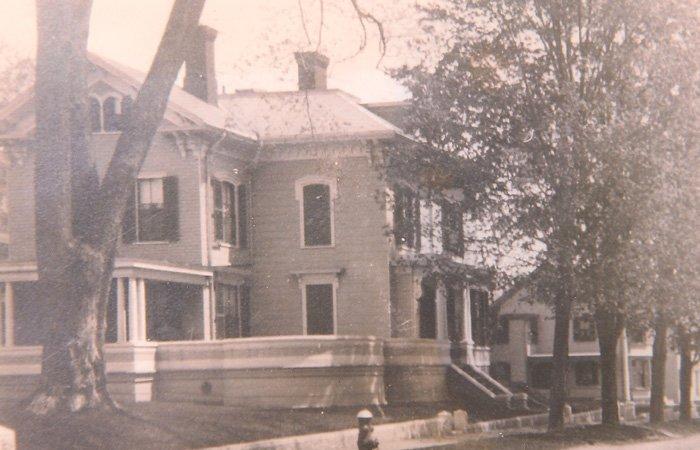 Ipswich Inn Historical Photo Exterior Side