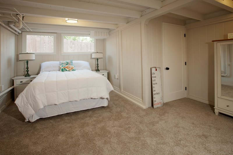 The Brown Cottage Bed at Laguna Beach Cottages