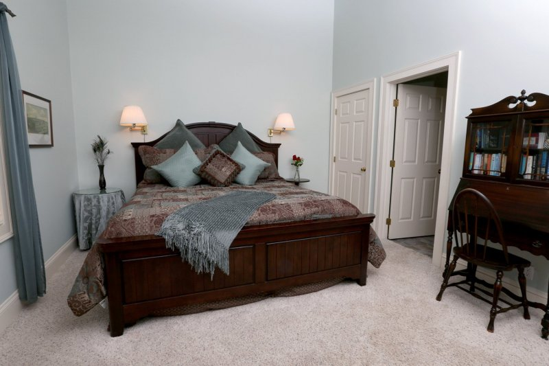Tranquility Room Bed at Country Comfort