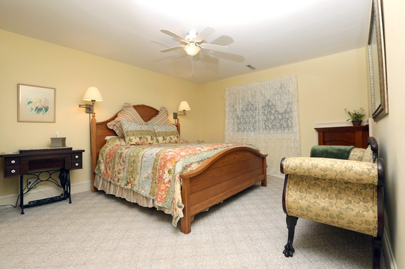 Country Comfort Bed and Breakfast Joy Room Bed
