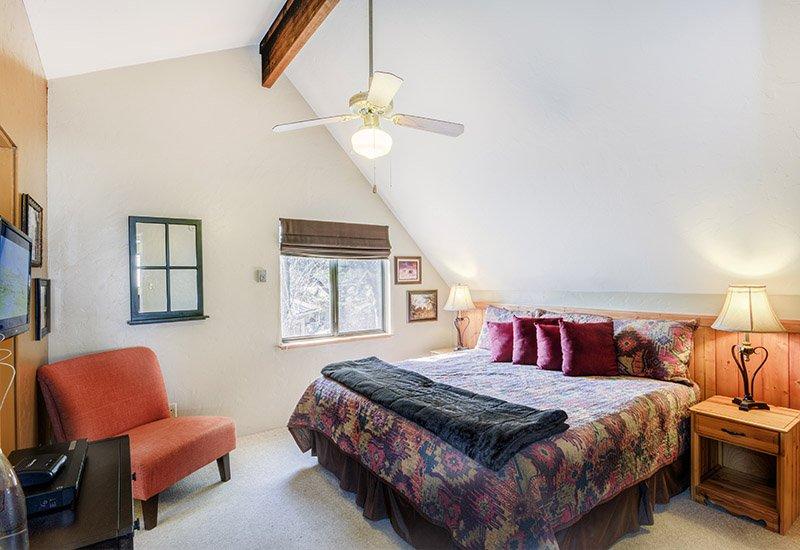 Vacation Rental Hideaway Room
