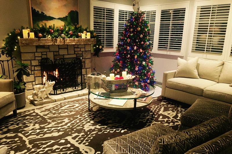 Horizon In Carmel dressed for Christmas