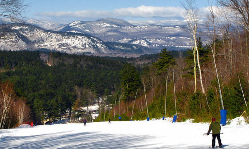 guy skiing down cranmore mountain