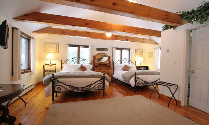 Old Saco Inn Saco Suite