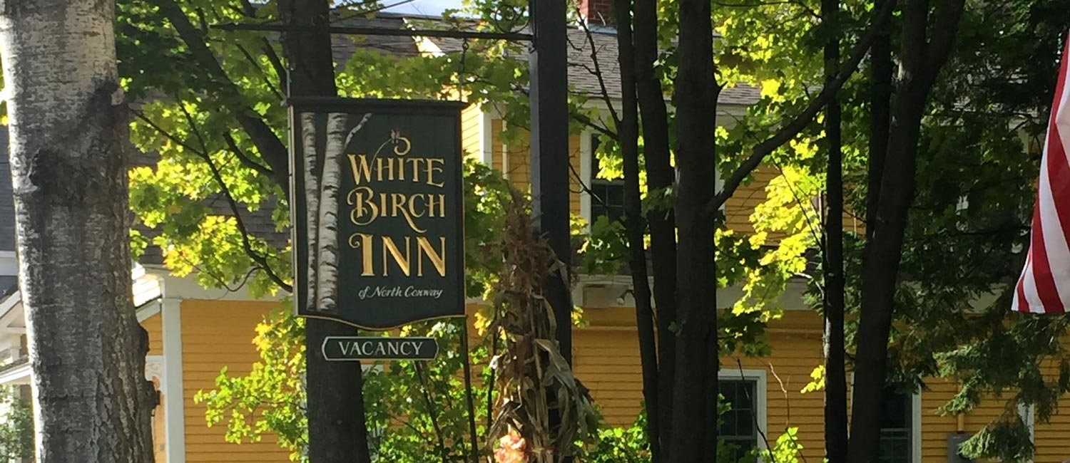 White Birch Inn Vacancy sign