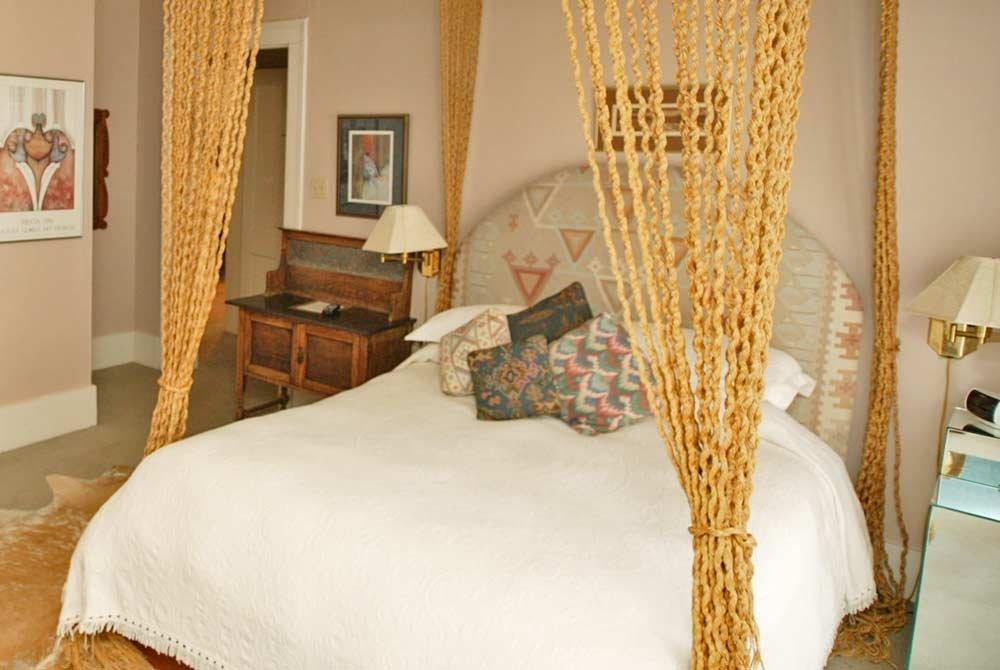 queen rope bed