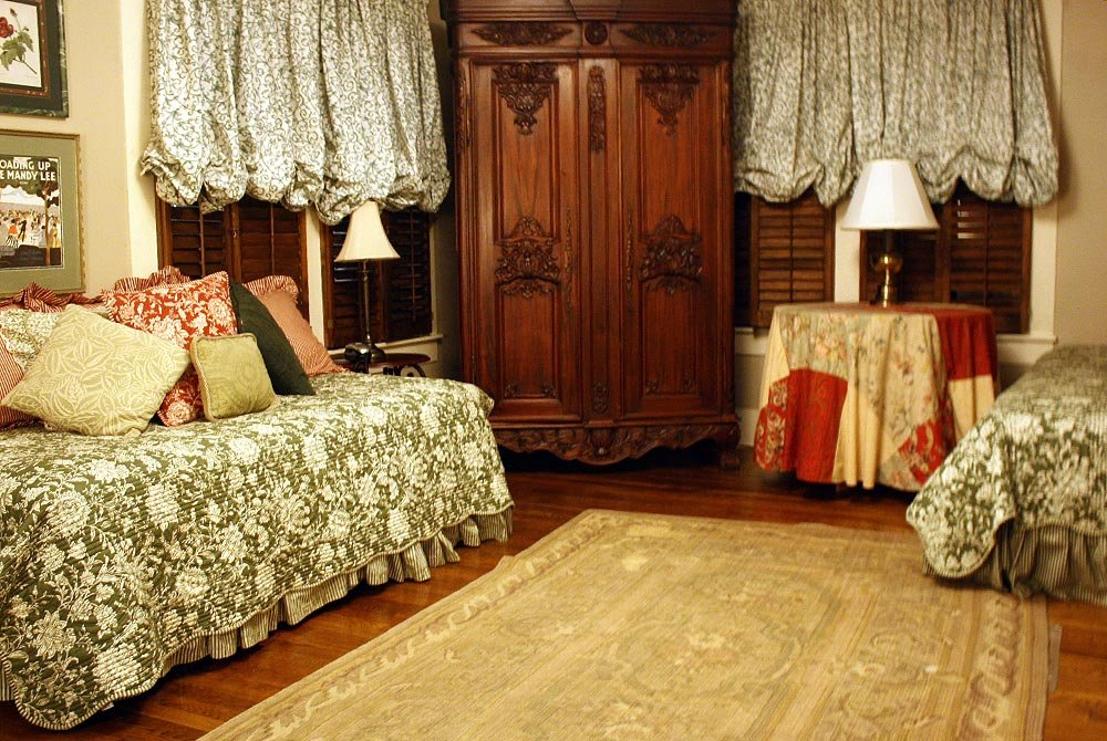 daybed with armoire and lamp