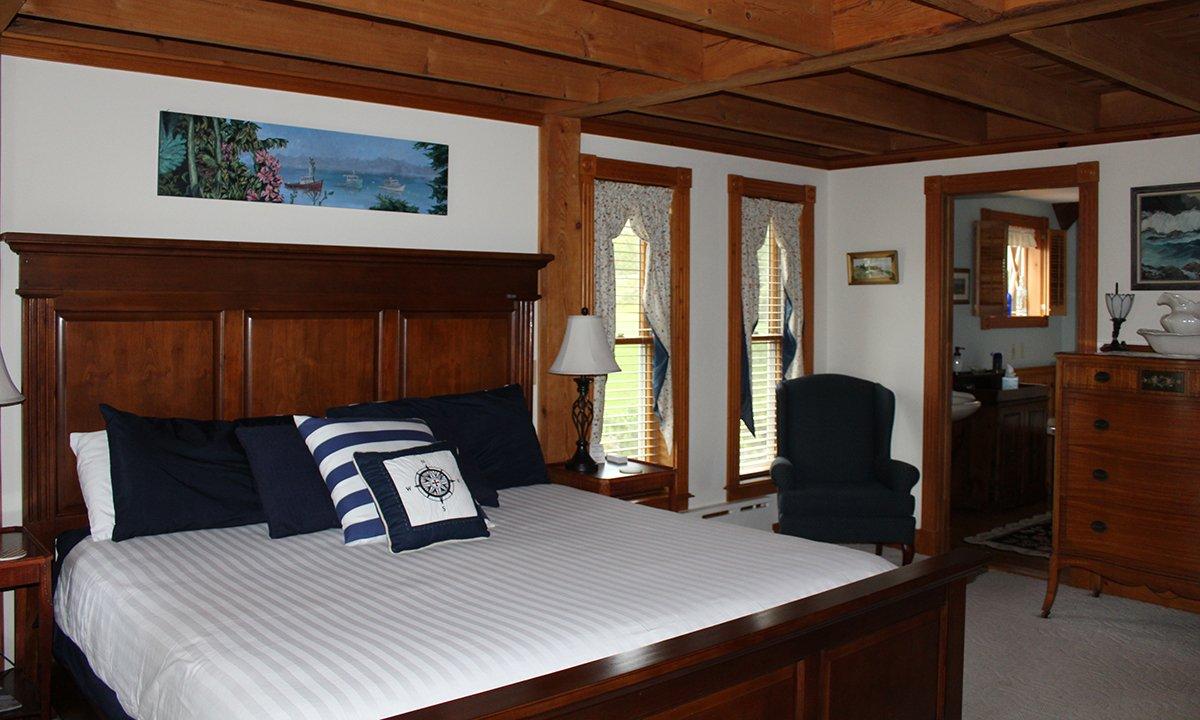 Spouter Inn Captain's Quarters room