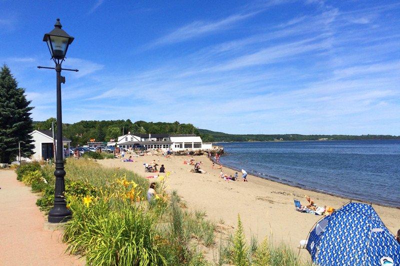 Spouter Inn Maine Beach