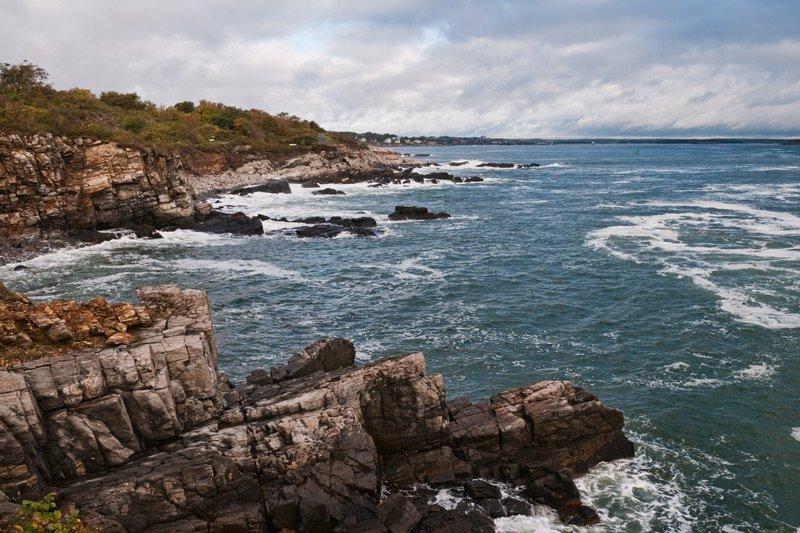 Spouter Inn Maine beach cliffs