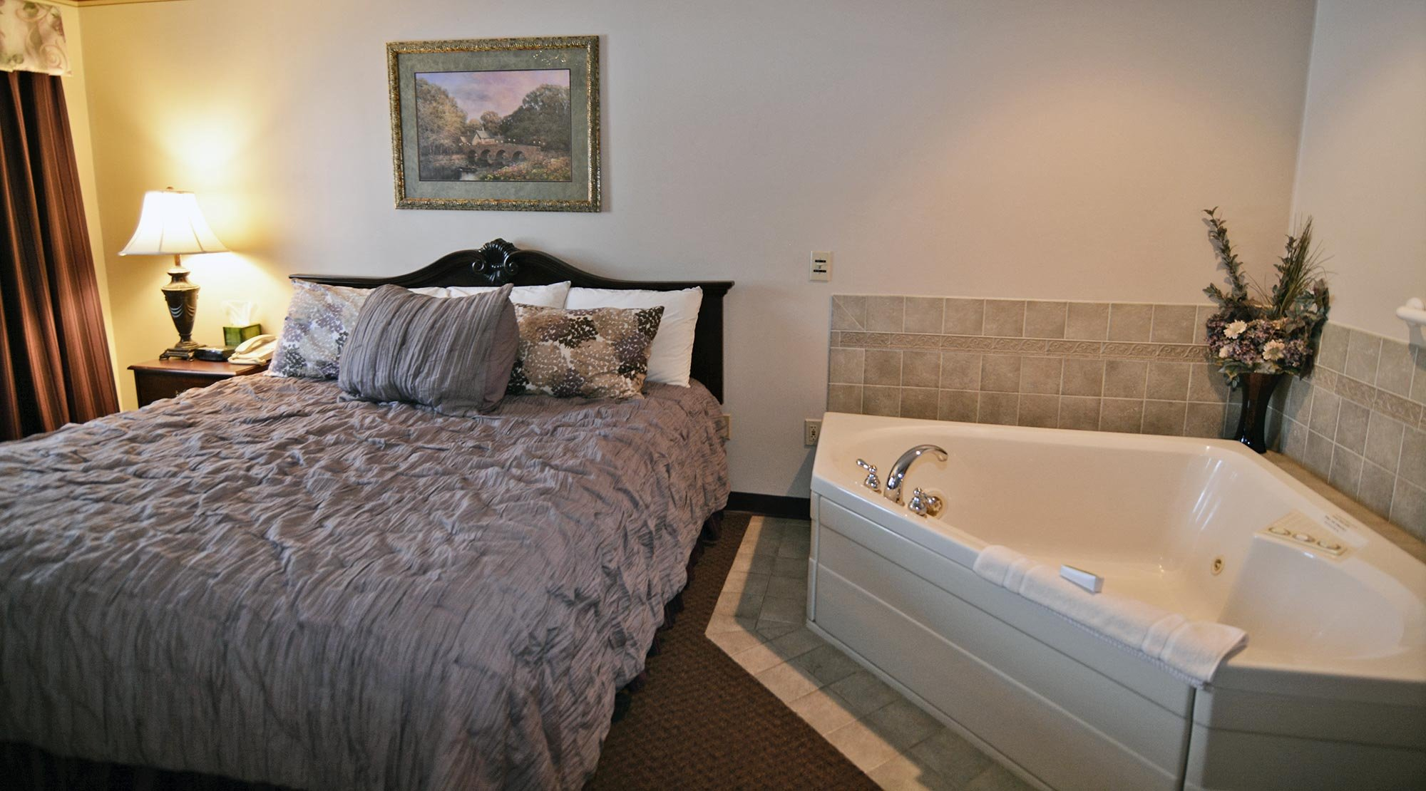 King Bed Near Jacuzzi Tub